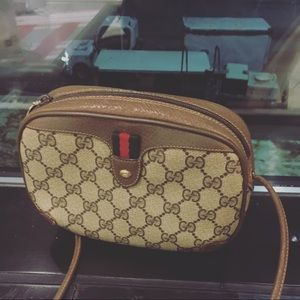 Authentic Vintage Ophidia Gucci Canvas crossbody.